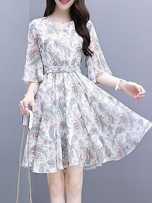 V Neck Print Bell Sleeve Skater Dress, 7033416