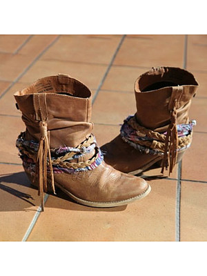 Distressed Plain Round Toe Boots, 9234591