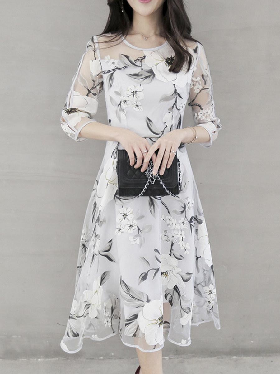 BerryLook Round Neck  Floral Printed Skater Dress