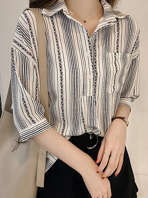 Turn Down Collar  Patch Pocket  Print Blouses