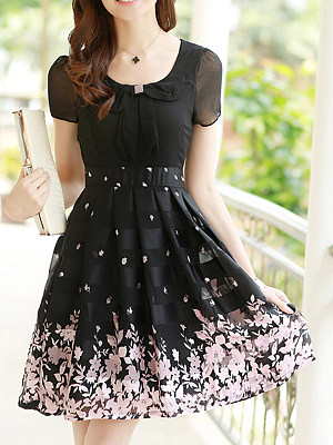 406a3712a2 Round Neck Bowknot Floral Hollow Out Skater Dress