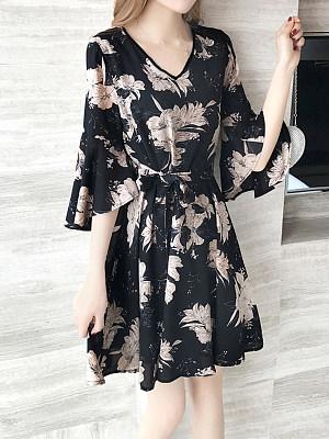 V Neck  Floral Printed  Bell Sleeve Shift Dress