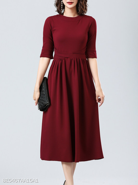 e3a957a0017d Round Neck Plain Skater Dress - berrylook.com