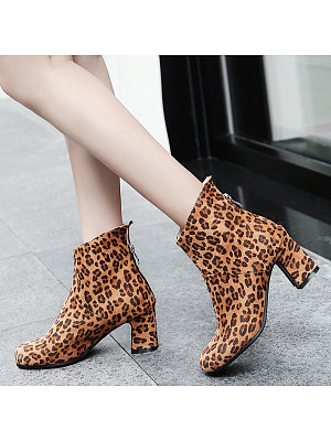 Animal Printed  Chunky  High Heeled  Velvet  Round Toe  Date Outdoor  Short High Heels Boots