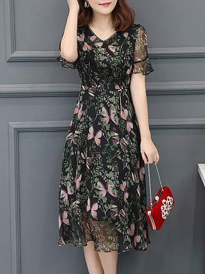 Round Neck Floral Printed Bell Sleeve Skater Dress, 6783395