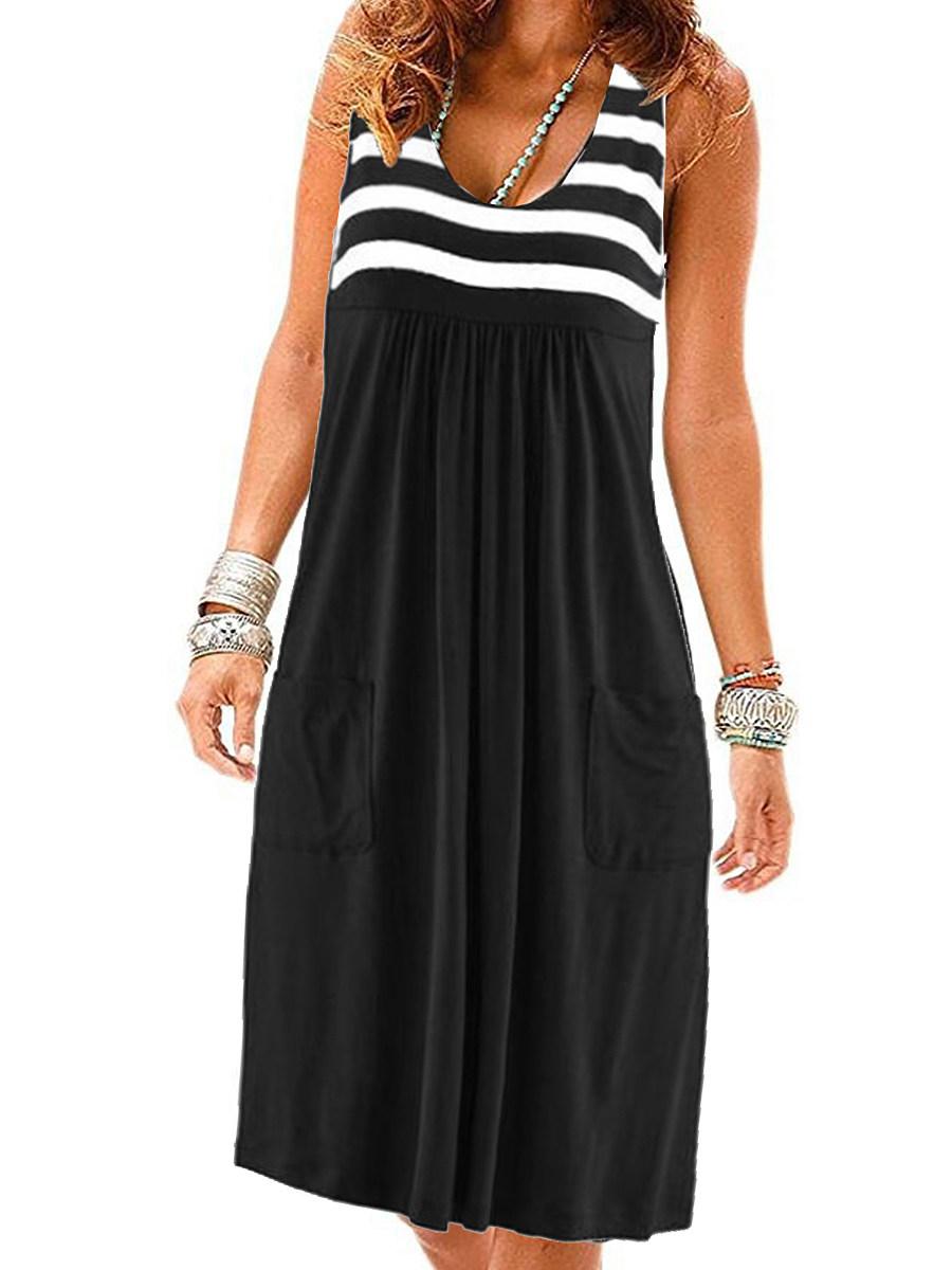 BerryLook Round Neck  Slit Pocket Shift Dress