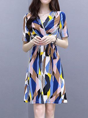 V Neck Print Shift Dress