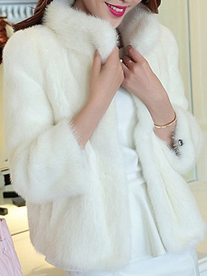 Women's Short Section Stand Collar Faux Fur Coat gender:female, season:winter, collar:stand collar, texture:artificial fur, sleeve_length:long sleeve, sleeve_type:regular sleeve, style:japan and south korea, collar_type:fur collar,stand collar, laundry_guide:hang to dry, dress_occasion:daily, bust:116,clothing length:60,shoulder width:44,sleeve length:63,