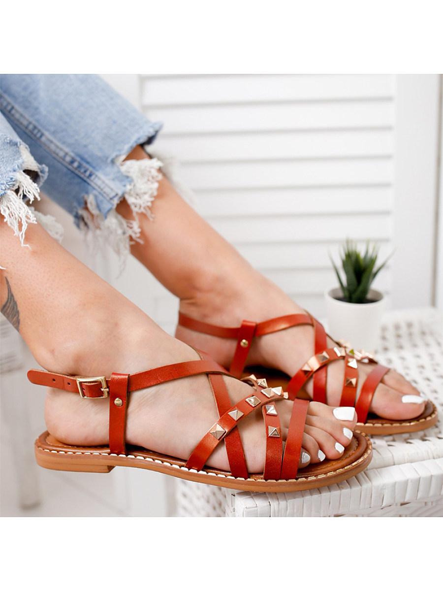BerryLook Women's flat bottom buckle rivet casual sandals