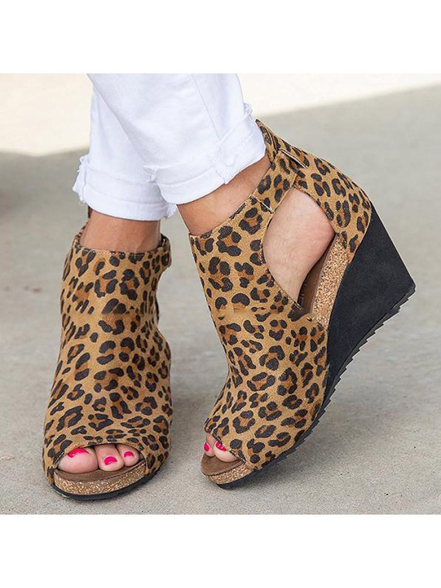 BerryLook Women's stylish and comfortable wedge sandals