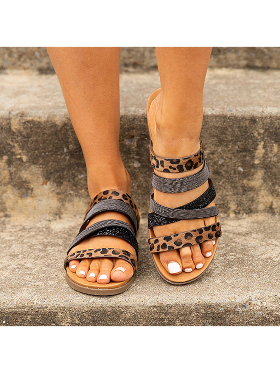 BerryLook Stylish and comfortable flat slippers