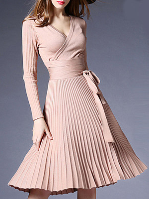 V-neck pleated knit  Skater Dress
