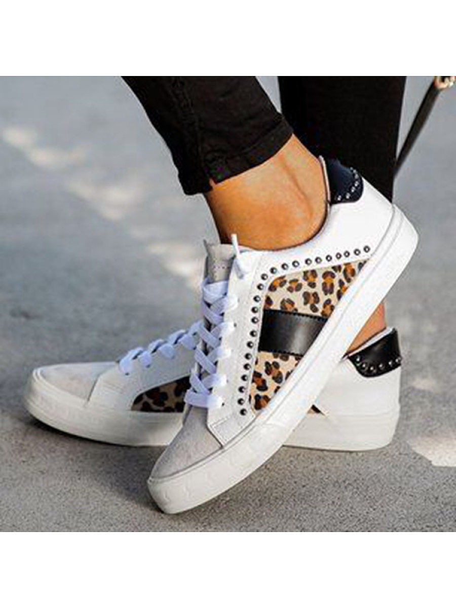 Flat round head leopard casual shoes