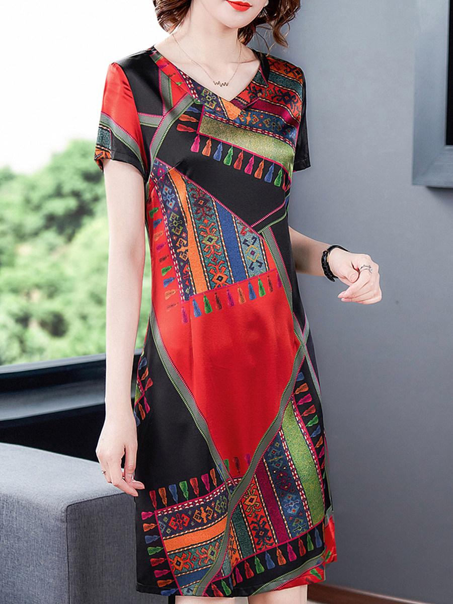 BerryLook V-neck Loose Vintage Short Sleeve Plus Size Shift Dress