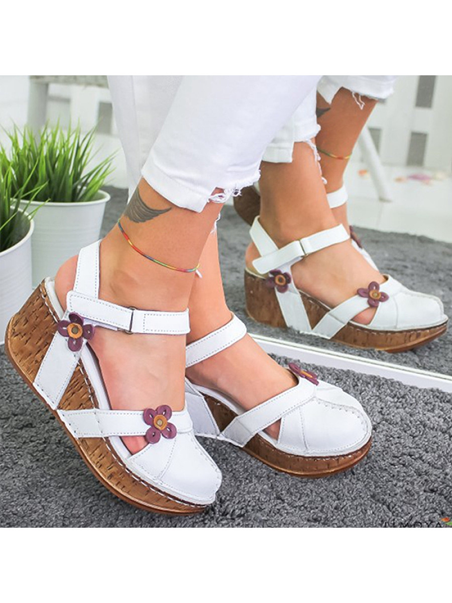 BerryLook Fashionable comfortable platform sandals