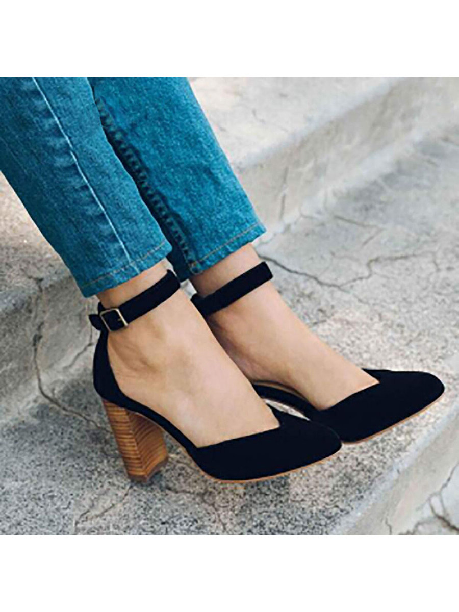 BerryLook Retro ladies pointed buckle thick heel single shoes