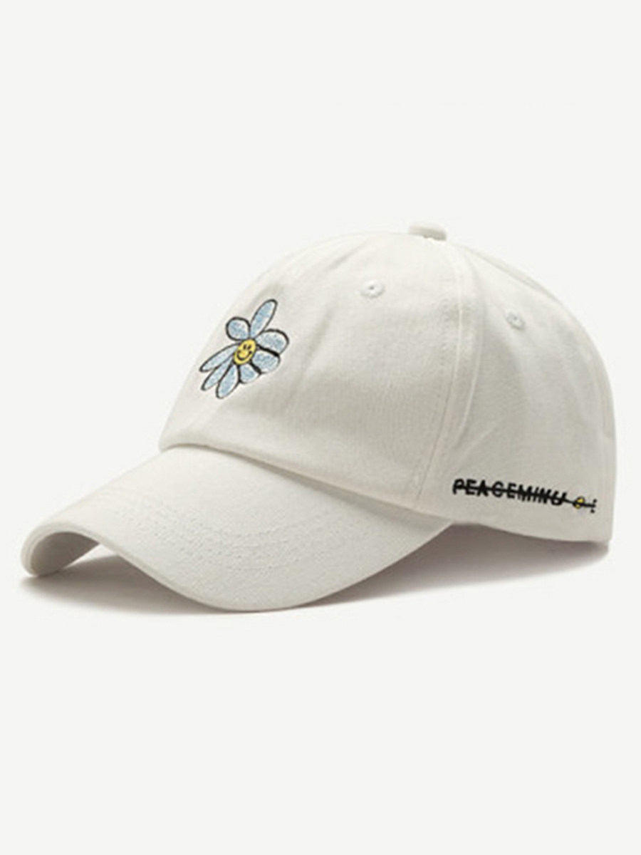 Daisy alphabet embroidered cap
