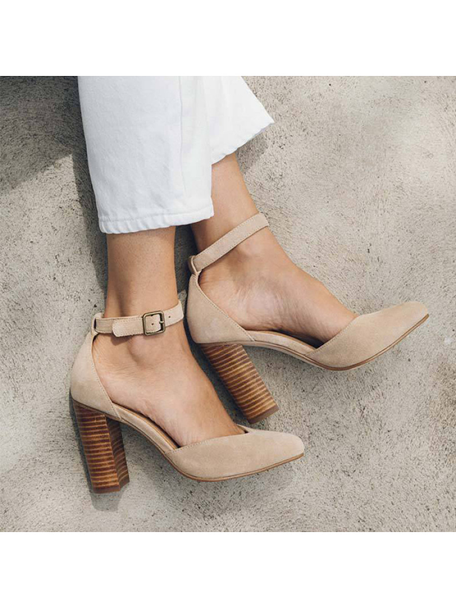 BerryLook Women's Thick Heel Hollow Heels