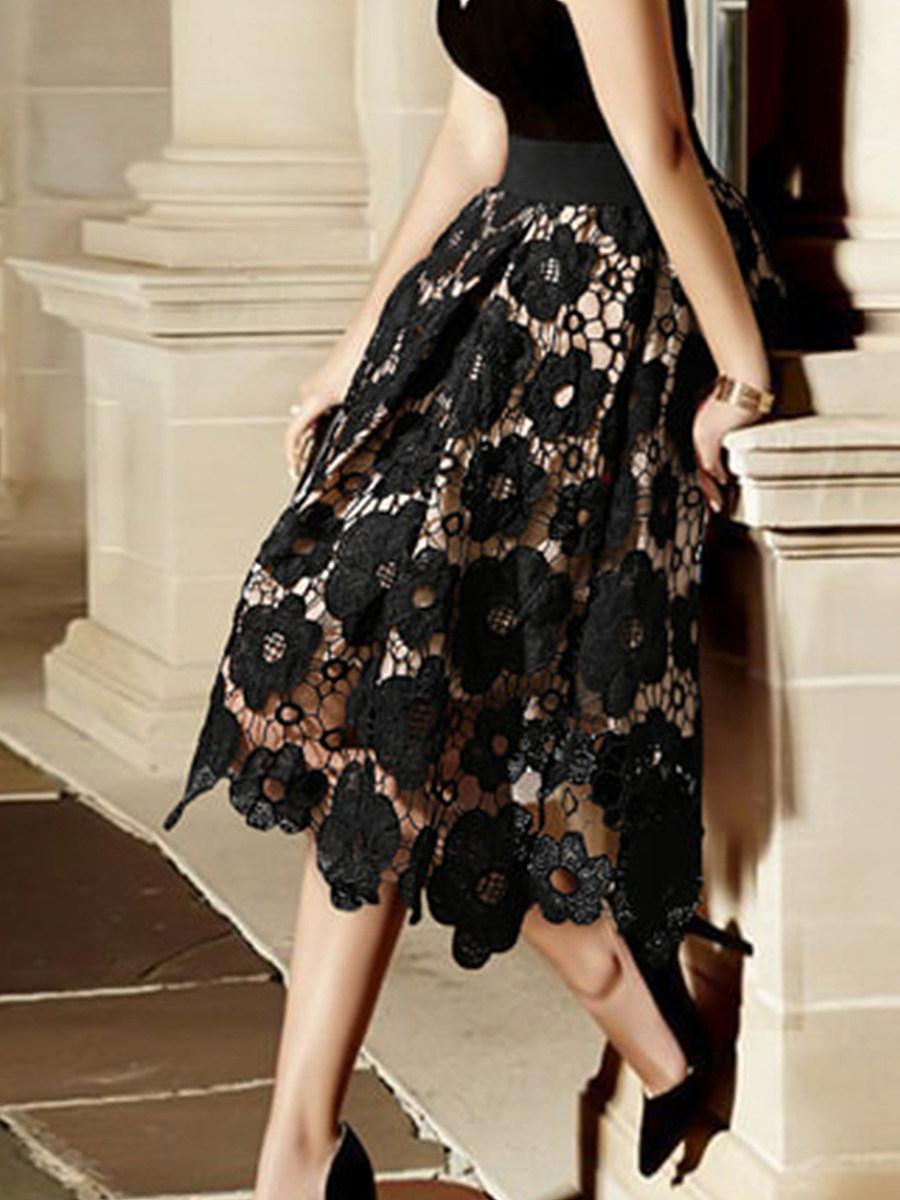 Lace high-waisted skirt