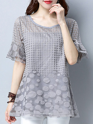 Womens Round Neck Patchwork Short Sleeve Blouse gender:woman, season:summer, collar:crew neck, texture:lace, sleeve_length:five-point sleeve, sleeve_type:trumpet sleeve, style:japanese and korean style, dress_occasion:daily, shoulder width:45.5,bust:126,clothing length:70,sleeve length:27,