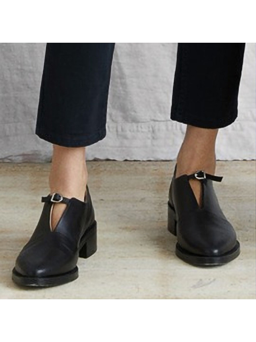 BerryLook Fashion Pointed Toe Buckle Plain High Heels