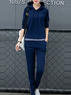 Womens long-sleeved striped hooded casual sports suit gender:female, season:autumn,winter,spring, texture:polyester, pattern_type:stripe, sleeve_length:long sleeve, sleeve_type:regular sleeve, style:japan and south korea, collar_type:hat collar, dress_occasion:daily, bust:102,clothing length:61,pants length:98,hips:102,