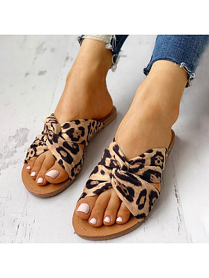 Crossover leopard print women's slippers фото