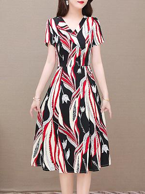 Berrylook V-neck Printed Short-sleeved Dress sale, online shopping sites, flare dress, floral skater dress