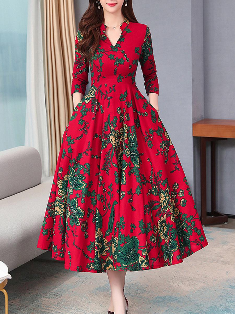 BerryLook V-Neck Patch Pocket Printed Maxi Dress